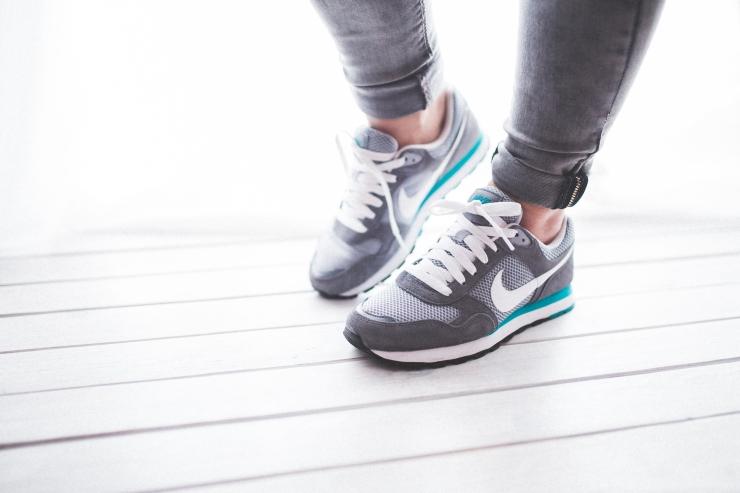 healthy-light-woman-legs.jpg